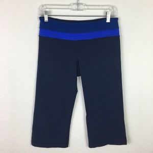 Lululemon Groove Crop Black with Blue Band size 8